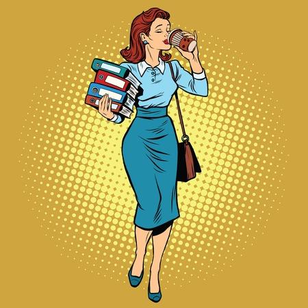 estilo: Mujer de negocios el consumo de café en el camino, ilustración vectorial de arte retro pop. Empresaria con informes y documentos