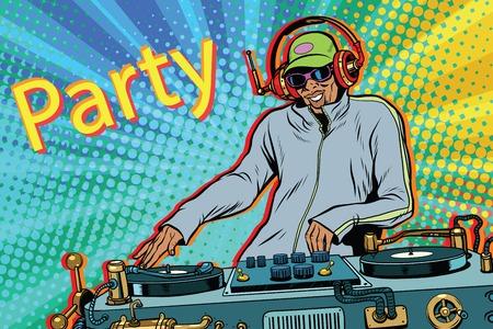 Musica DJ mix ragazzo DJ Archivio Fotografico - 75767219