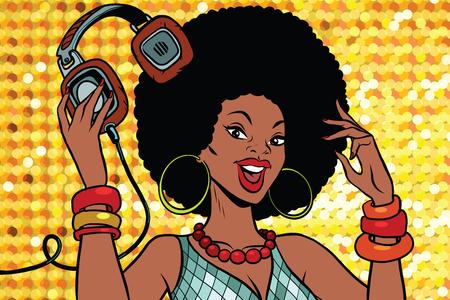 Femme afro-américaine DJ avec casque. Audio et musique. Pop art rétro illustration vectorielle Banque d'images - 76880531