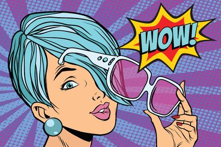 lunettes de soleil femme pop art réaction wow. illustration vectorielle rétro