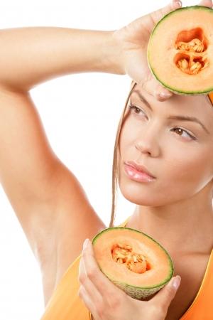 armpit: Mujer de verano con melones