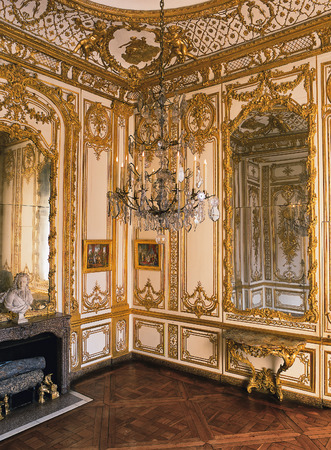 queen bed: Versailles, France - 10 August 2014 : Wooden room, large mirrors and chandelier at Versailles Palace ( Chateau de Versailles ).
