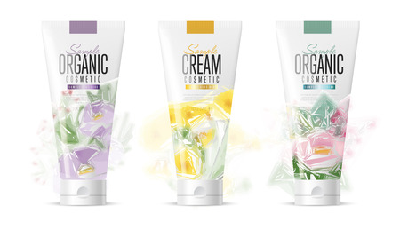 Body care products. Brand concept of organic cosmetics. Summer Series with flowers. Vector pattern. Abstract brand for adaptations. Realistic cosmetic packaging isolated on white background. Vettoriali