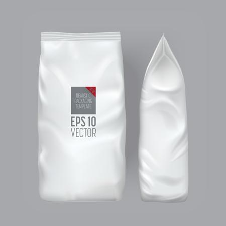 Blank Verpackung auf grauem Hintergrund. Foil Lebensmittel Snack-Beutel für Kaffee, Chips. Paketvorlage. Realistische 3D-Mockup. Kunststoff-Pack-Vorlage. Bereit für das Design. Vektor-Illustration.