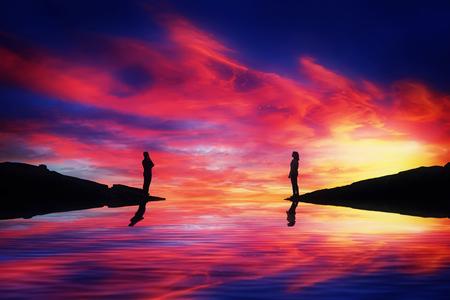 Een jongen en een meisje staan aan verschillende kanten van een rivier en denken na over een prachtige zonsondergang op de achtergrond hoe ze elkaar kunnen bereiken. Een denkbeeldige brug bouwen. Levensreis en zoekconcept.