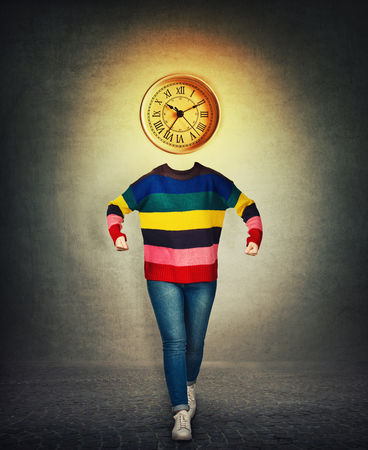 Surreal image of a nervous woman hold fists and a clock instead of head. Concept of time planning. Stockfoto