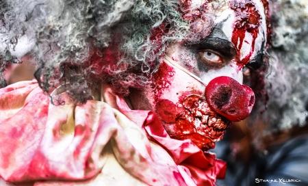 Portret van een nep zombie clown