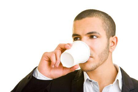 hombre tomando cafe: Hombre de negocios de j�venes beber caf� para ir Foto de archivo