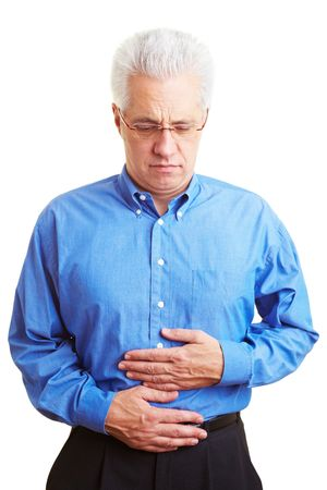 intestino: Jubilado, sosteniendo su vientre enfermo