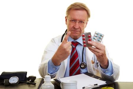 dedo indice: Doctor advertencia con su dedo �ndice de efectos secundarios negativos