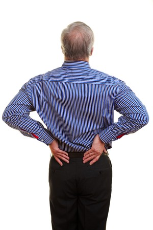 pangs: Anziani man holding hands a schiena doloranti