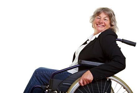 ancianos felices: Feliz anciana sentada en una silla de ruedas