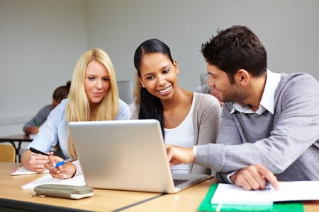 online: Students learning together in class in universty