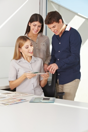 color consultation: Young couple gets color consultation for their new house from a professional