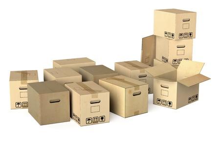 Muchas cajas de mudanza diferentes aislados sobre fondo blanco