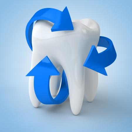 higiene bucal: Cuidado dental con flechas azules alrededor de un diente Foto de archivo