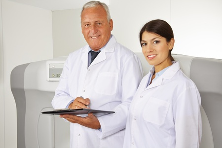 endocrinology: Doctor and female physician as team in radiology in a hospital Stock Photo