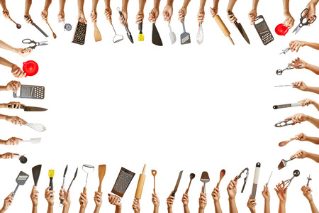 kitchen tools: Frame met vele handen die verschillende keuken gereedschappen voor gastronomie Stockfoto