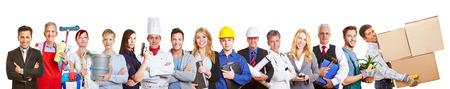 Big groupe panorama des gens de nombreux métiers et professions et métiers