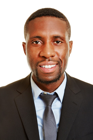cabeza: Disparo en la cabeza de sonriente hombre de negocios africano