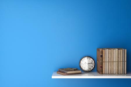 Vecchi libri e orologio su una mensola di fronte a un muro blu (rendering 3D) Archivio Fotografico