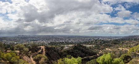 san fernando valley: Los Angeles panorama skyline in San Fernando Valley, California