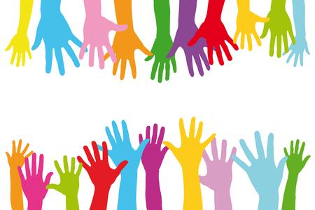 Vele kleurrijke handen van een groep mensen met kinderen en volwassenen als een team Stockfoto