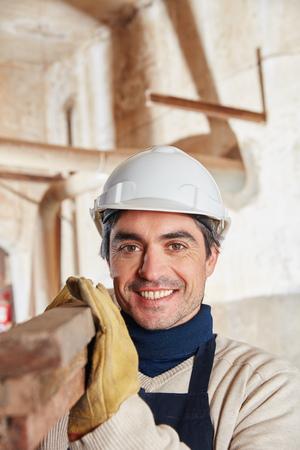 obrero trabajando: Hombre, construcción, trabajador, carpintería, tienda