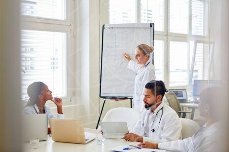 medical doctors: Doctors in medical seminar presentation for training