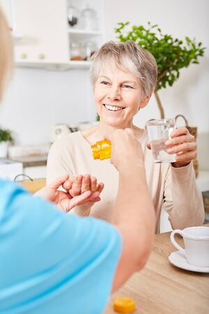Nursing service gives senior demented woman medicament