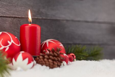 Candle with christmas balls and candle as decoration Banque d'images