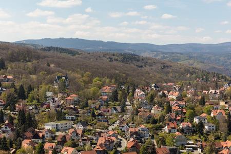 Landscape with cityscape of Wernigerode in the Harz in Saxony-Anhalt Standard-Bild - 106385451