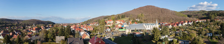 Panorama of the city Wernigerode with houses and mountain Standard-Bild - 106385466