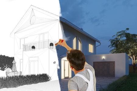 Maler malt Bild eines modernen Hauses von der Skizzenzeichnung bis zum realistischen 3D-Rendering Standard-Bild