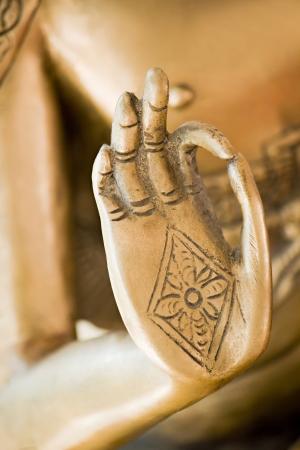 position d amour: Main de Bouddha d'or