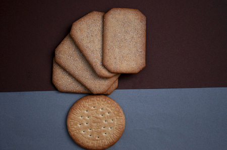 crackers: square and round crackers