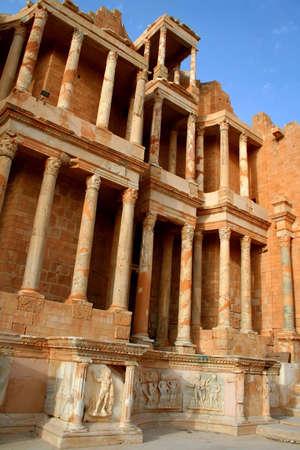 teatro antico: Teatro antico di Sabratha, Libia, nel tardo pomeriggio