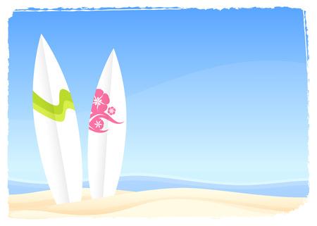 서핑 보드와 밝은 여름 해변 현장