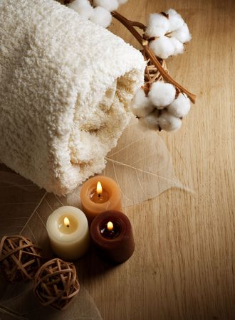 boll: Towel and Candles