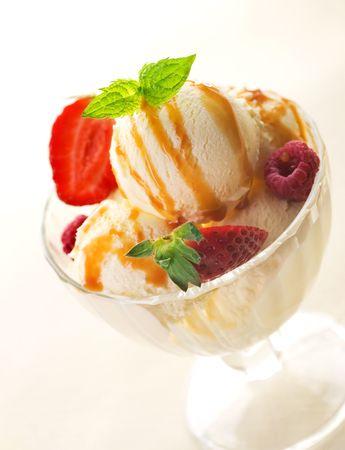 キャラメル: アイス クリーム