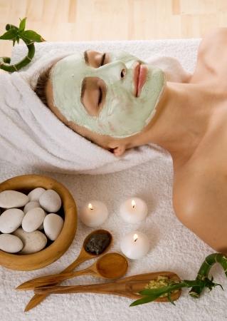 facial massage: Masque Facial Mud Spa