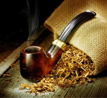 Tobacco pipe Stock Photo - 7683084