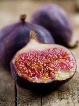 purple fig: Fig Fruits
