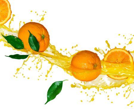 splash sinas: Sinaasappel sap geïsoleerd op wit  Stockfoto