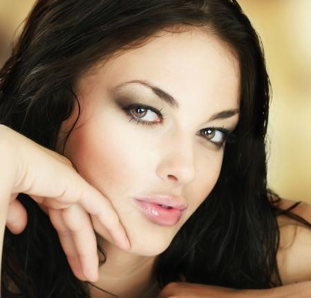 regordete: Cara de mujer hermosa joven
