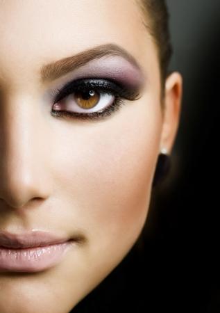 Beautiful Girl's Face. Perfect Makeup  Stock Photo - 9336024