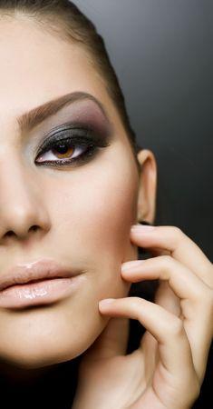 smokey: Beautiful Girls Face. Perfect Makeup