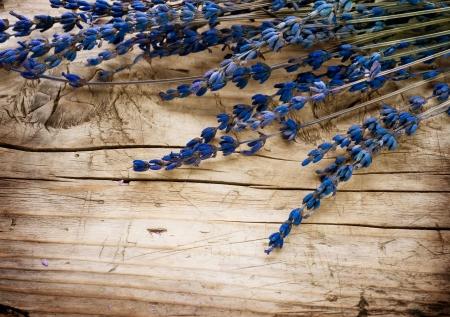 wood products: Lavanda Spa su sfondo di legno