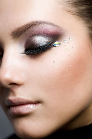 black eyes: Beautiful Fashion Woman Face.Perfect Makeup