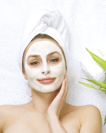 masked woman: M�scara de arcilla facial Spa